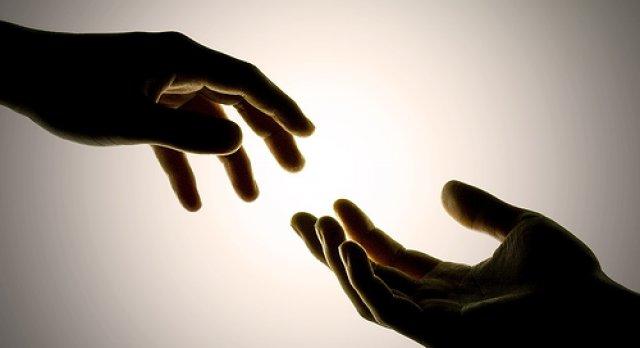 ruka pomoci i potrebe